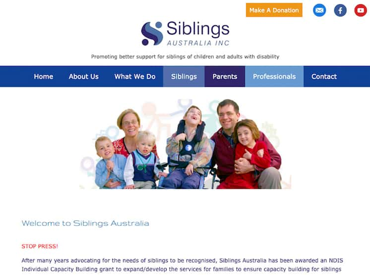 SIblings Australia website features a smiling family from Australia with four children, including one who is sitting in a wheelchair.
