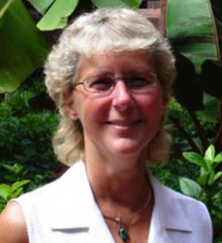 Deborah Telfer headshot